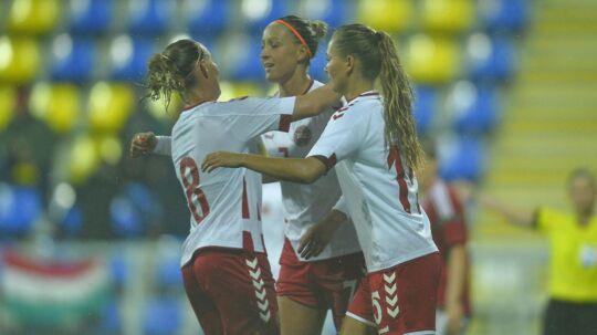 Danmark vandt 6-1 over Ungarn i den første VM-kvalifikationskamp.