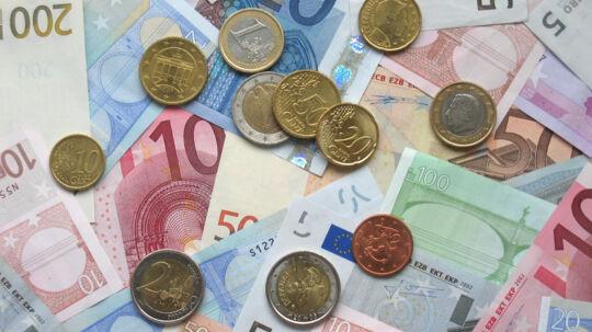EU vil sikre et ensartet tilsyn med alle banker og finansielle virksomheder, der opererer i medlemslandene. Det skal lukke smuthuller efter finanskrisen og det britiske farvel til EU. Free
