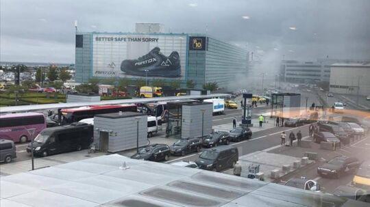 Her ses røgen ved Københavns Lufthavn.