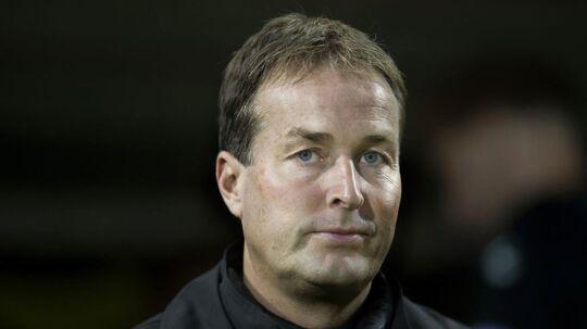 Sådan ser man ud, når man er træner for Superligaens tophold, der lige har smidt to point ud af vinduet. Kasper Hjulmand var med egne ord 'sindssygt skuffet' efter 2-2 mod Sønderjyske.