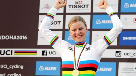 Amalie Dideriksen blev sidste år verdensmester, og i dag lørdag skal hun forsvare sin titel.
