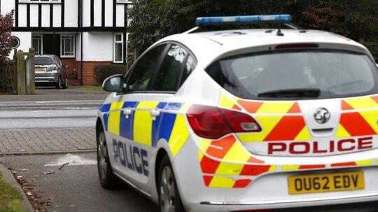 Britisk politi har fredag sigtet to personer i forbindelse med fundet af den brændt kvinde. Arkivfoto: REUTERS/Peter Nicholls