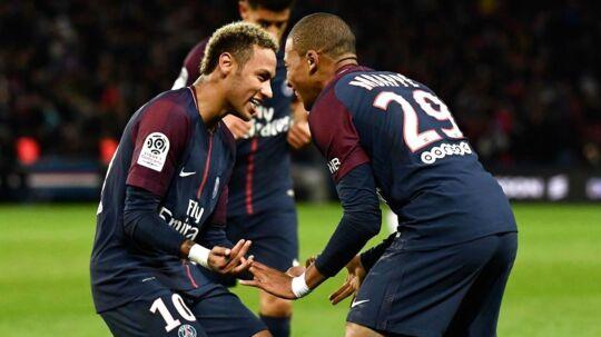 Spørger man Danske Spil er der ingen tvivl om, hvem som vinder Golden Boy-prisen i år. Det bliver franske Kylian Mbappé (th.)