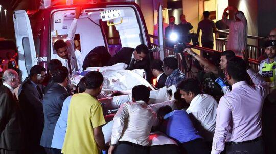 Her ankommer Eman Abdul Atti til hospitalet i Abu Dhabi.