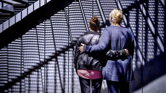De to kvinder på 35 og 36 år har begge været kærester med Phal Rem og er begge blevet voldtaget af ham i hhv. 2012 og 2014, efter de slog op med ham. For nylig blev han dømt for at have voldtaget en tredje eks-kæreste i 2016, men fik alligevel lov til at blive i Danmark med endnu en betinget udvisning. Den afgørelse skal Højesteret nu kigge på.