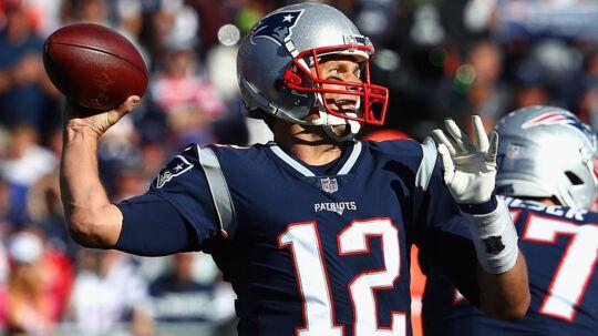 Tom Brady spillede selv en godkendt kamp, men han måtte se sit hold tabe til Carolina søndag. Scanpix/Maddie Meyer