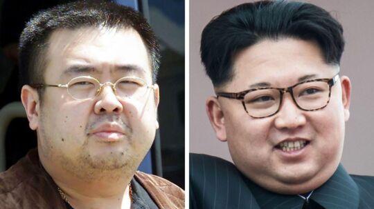 Kim Jong-nam og halvbroderen Kim Jong-un, som siden 2011 har styret Nordkorea med jernhånd, og som menes at være den egentlige bagmand til mordet på Jong-nam i februar.