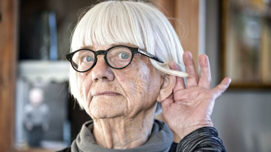 Eli Novak skal vente ni måneder på at få et høreapparat.