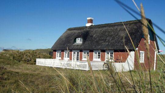 Stråtægt Fanøhus. Arkitekt Jørgen Lind har specialiseret sig i at tegne og bygge nye Fanøhuse, som leder tankerne tilbage til de oprindelige.