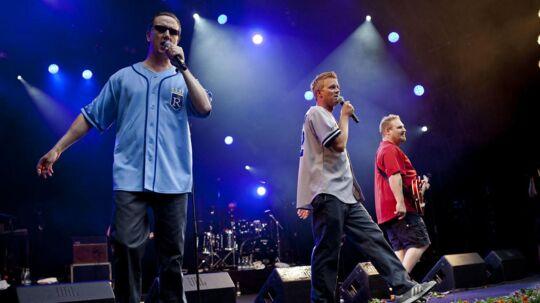 Her optræder rapgruppen på Smukfest i 2013.