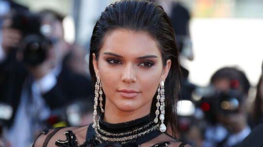 Kendall Jenner har noget kørende med flere fyre på samme tid ifølge People Magazine.