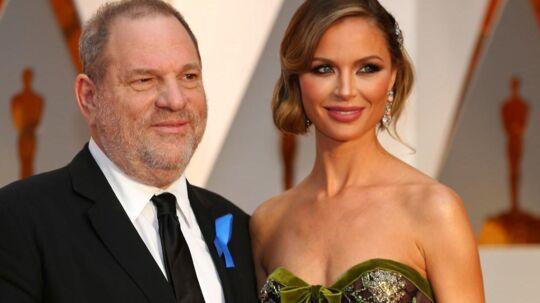 Harvey Weinstein med sin kone Georgina Chapman til Oscar-uddeling 2017. Hun har nu forladt ham, og han er blevet smidt ud af filmakademiet.