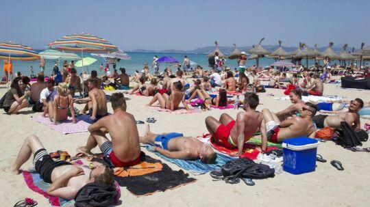 Flere steder i Spanien nåede temperaturen lørdag op omkring 35 grader.