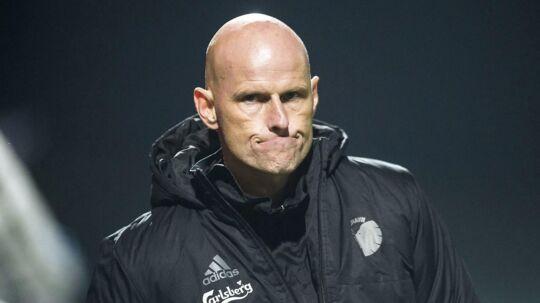 Ståle Solbakken ser sammenbidt ud under FCK-kampen på udebane mod OB, som vandt 1-0 på et tidligt mål af Anders K. Jacobsen.