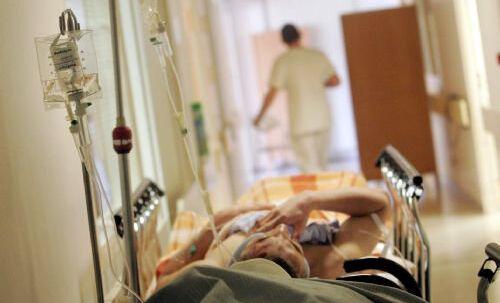 57-årige Alf Dissing faldt om med hjertestop i sit hjem i Fredensborg. To frivillige, der var tilmeldt en såkaldt hjerteløberordning, ilede til og fik påbegyndt genoplivning, indtil ambulancefolk ankom og tog over. Free/Www.colourbox.com
