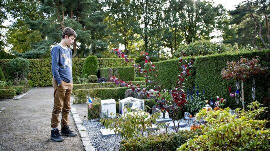 Anton på 11 år mistede i april måned sin lillesøster, der døde af kræft. Men hvordan bearbejder man sorgen, når man kun er 11 år gammel?