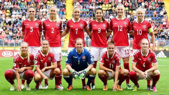 Spillerne på det danske kvindelandshold mødte ikke til træning mandag, og de meldte heller ikke afbud. Og dermed har de også valgt ikke at spille kampene, meddeler DBU.