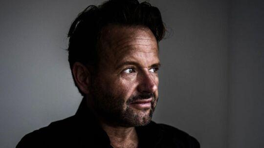 Make-up-artist og frisør Dennis Knudsen.