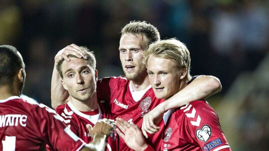 Assistenttræner Jon Dahl Tomasson har stor tiltro til, at det danske landsholds form bliver afgørende for, om Danmark kommer til VM.