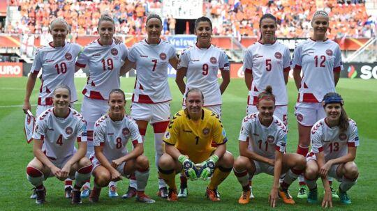 DBU truer med at melde afbud til kvindelandsholdets VM-kvalifikationskamp mod Sverige.