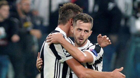 Juventus vandt 2-1 over Sporting Lissabon og kom dermed tilbage på kurs mod ottendedelsfinalerne.