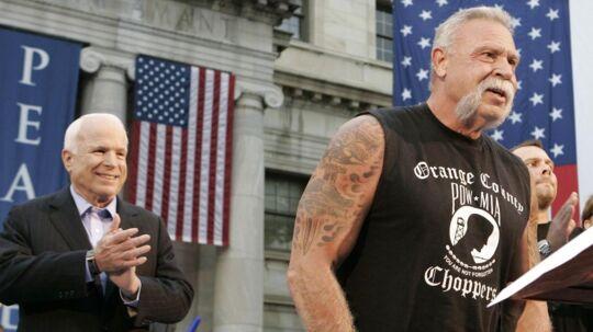 Paul Teutul Sr. (th) sammen med den republikanske senator John McCain i 2008.