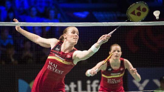 Kamilla Rytter Juhl er knæskadet, og skaden har vist sig så alvorlig, at hun og makkeren, Christinna Pedersen (th), har måtte trække sig fra Denmark Open.