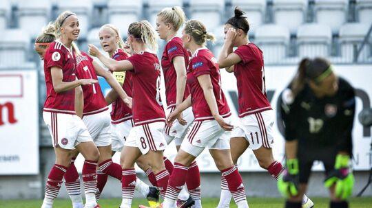 Danmark spillede ikke VM-kvalifikationskamp mod Sverige. Det er uklart, hvilke konsekvenser det får for landsholdet og for DBU.