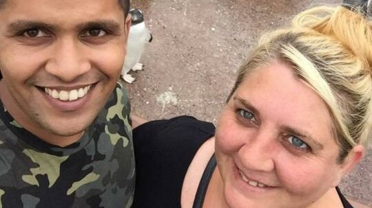 Sharon Bijin ville give sin kæreste en helt særlig fødselsdagskage, men resultatet blev mildest talt ikke, som hun havde håbet.
