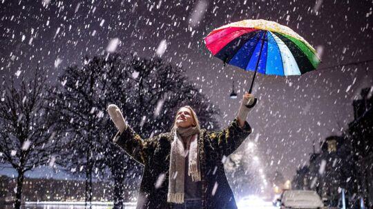 Den første sne kan ramme Danmark fra søndag eftermiddag til natten mellem søndag og mandag.