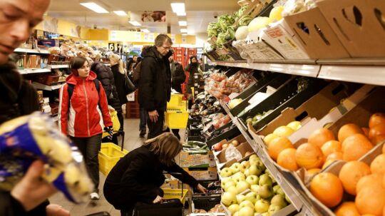 Discount-krigen raser i Danmark, og det kommer forbrugerne til gode i form at lavere priser og bedre udbud.
