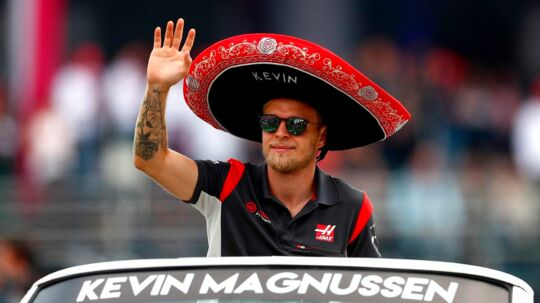 MEXICO CITY, MEXICO - OCTOBER 29: Kevin Magnussen of Denmark and Haas F1 waves to the crowd on the drivers parade before the Formula One Grand Prix of Mexico at Autodromo Hermanos Rodriguez on October 29, 2017 in Mexico City, Mexico. Clive Rose/Getty Images/AFP == FOR NEWSPAPERS, INTERNET, TELCOS & TELEVISION USE ONLY ==