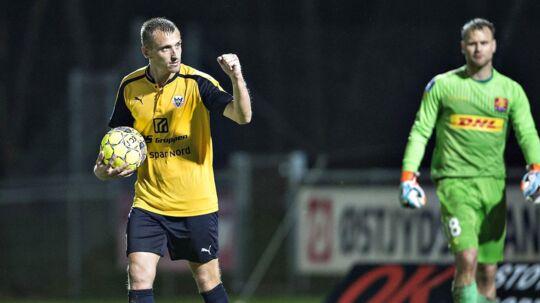 Hobro (gule trøjer) slog FCN ud af DBU Pokalen onsdag aften.
