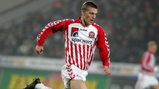 Jens-Kristian Sørensen ses her i sin storhedstid i AaB. Nu er han blevet 30 år og spiller for Biersted i den jyske Serie 4.