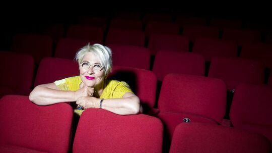 "Sommerinterview med temaet ""Farvel"" - Vibeke Windeløv forlader næste år posten som teaterdirektør på Betty Nansen Teatret - ser tilbage på lang karriere med film og teater."