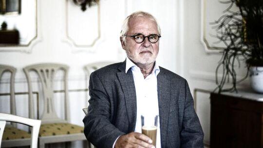 Den i dag 73-årige Johan Schlüter ville tage sit eget liv, efter han blev hovedperson i det, der kaldes, den største svindelsag mod et dansk advokatkontor nogensinde. Her er han fotograferet i sit tidligere hjem på Esplanaden i København.