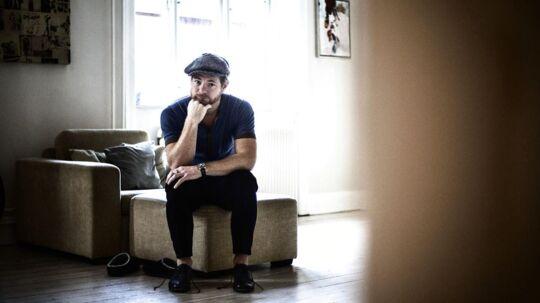 Skuespiller Paw Henriksen fotograferet i sin lejlighed på Østerbro.