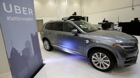 Uber har bestilt 24.000 selvkørende Volvo-biler. Her ses en Volvo XC90 selvkørende firhjulstrækker i Pittsburgh i USA.