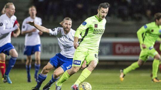Silkeborg (grønne trøjer) vandt omkampen mod HIK og er klar til at spille mod Lyngby i fjerde runde.