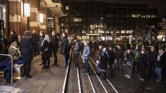 Folk står i lang kø til afstemning på Frederiksberg Rådhus under Regions- og Kommunalvalget 2017, tirsdag den 21. november 2017.. (Foto: Mads Claus Rasmussen/Scanpix 2017)