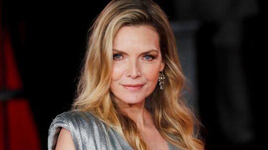 I den nye film 'Mord på Orient-ekspressen' spiller Michelle Pfeiffer intrigant og måske morderisk pensionist