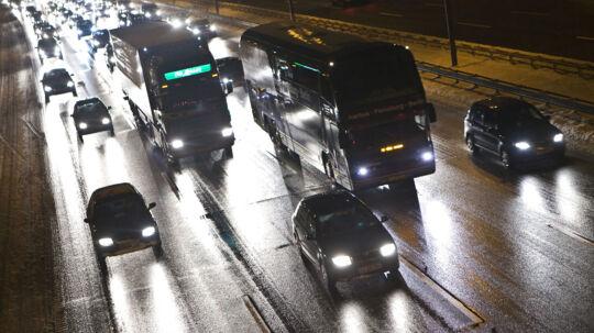 Juletrafik - lange bilkøer på motorvej E20 mod Fyn.