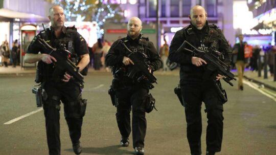 Britisk politi efterforsker i øjeblikket en 'terrorhændelse' ved en metrostation i London