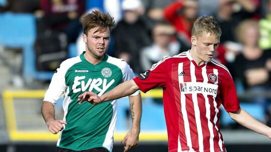 Hobros Nicholas Gotfredsen (tv.) i aktion i sin tid som Viborg-spiller. (ARKIV)