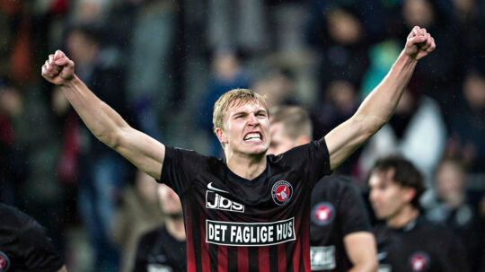 FC Midtjyllands Rasmus Nissen jubler over sin scoring til 1-0 i Superliga-kampen mod AGF.