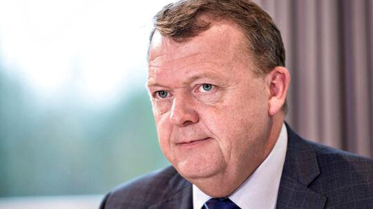 Lars Løkke Rasmussen er i disse døgn i gang med en voldsom armlægning med Dansk Folkepartis leder Kristian Thulesen Dahl om, hvorvidt forhandlingerne om en skatteaftale overhovedet skal genoptages i år. Thulesen vi udskyde de anspændte skatteforhandlinger til efter, at der er indgået en ny finanslov, mens Lars Løkke og resten af regeringen ønsker en samlet aftale.(Foto: Henning Bagger/Scanpix 2017)