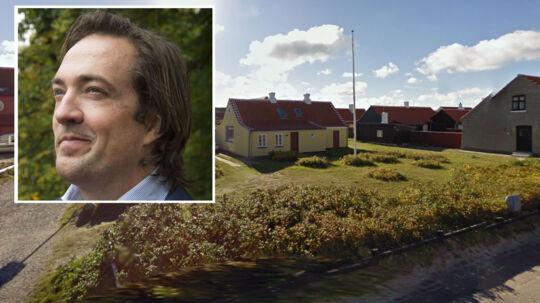 Lensgreve Bendt Wedell ønsker at bygge på en grund i Gammel Skagen, hvor der tidligere lå det gamle fiskerhus 'Saalt Hans' Hus'.