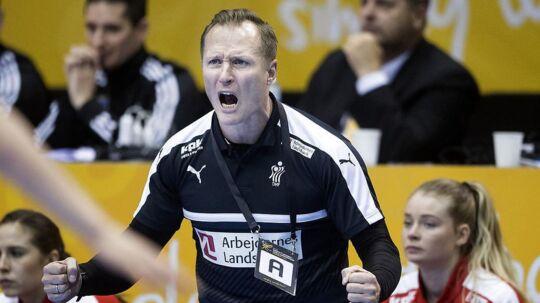 Danmarks cheftræner Klavs Bruun Jørgensen under 1/8 finalen mellem Tyskland-Danmark i Magdeburg den 10 december 2017.