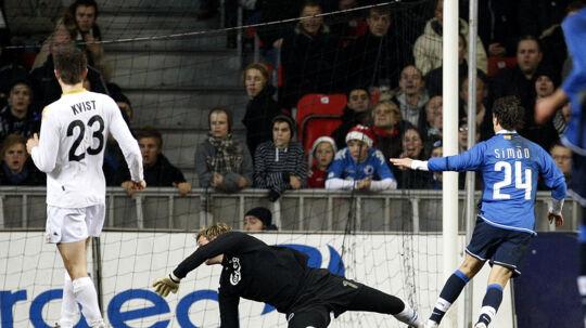 I 2007 tabte William Kvist og FCK 0-2 hjemme til Atlético Madrid i Uefa Cuppen. Til februar kan Kvist og FCK få revanche i Europa League, men chancen for samlet sejr er meget lille, vurderer Viasat-kommentator Niels Christian Frederiksen. Scanpix/Jeppe Michael Jensen/arkiv
