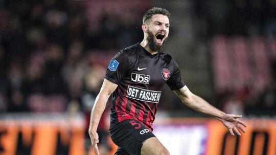 FC Midtjyllands Marc Dal Hende jubler over sin anden scoring til 4-0 i Superliga-kampen mod AGF mandag 27. november 2017.